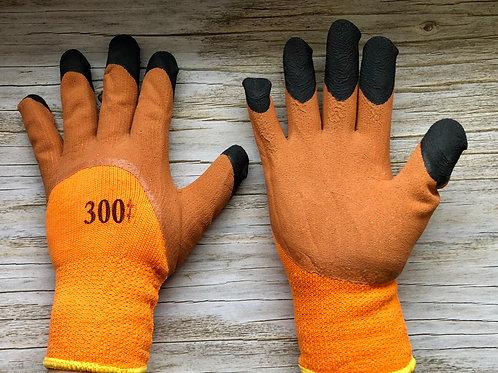 Перчатки акриловые утепленные с рифленым латексным покрытием.