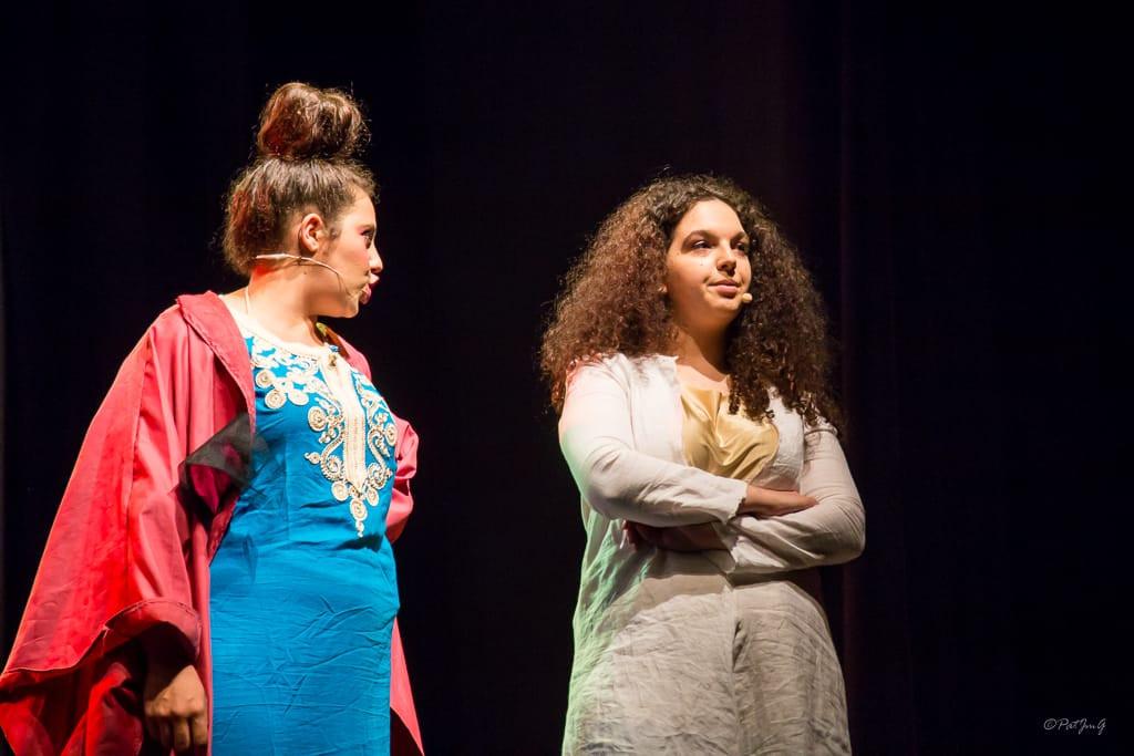 Madame Cassim et Yasmina.