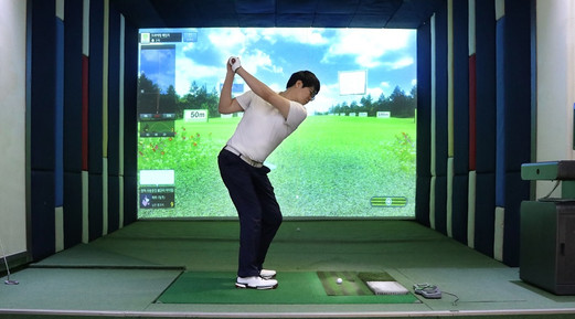 3 breezy-Summer-golf-simulation.jpg