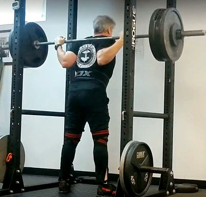 WEIGHTLESS HANDS IN THE SQUAT