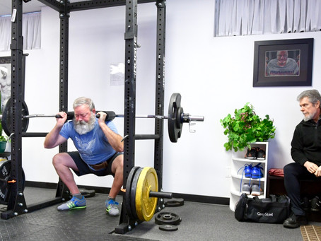 LATE KNEES IN THE SQUAT