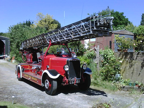 1937 Leyland TLM / Metz turntable ladder