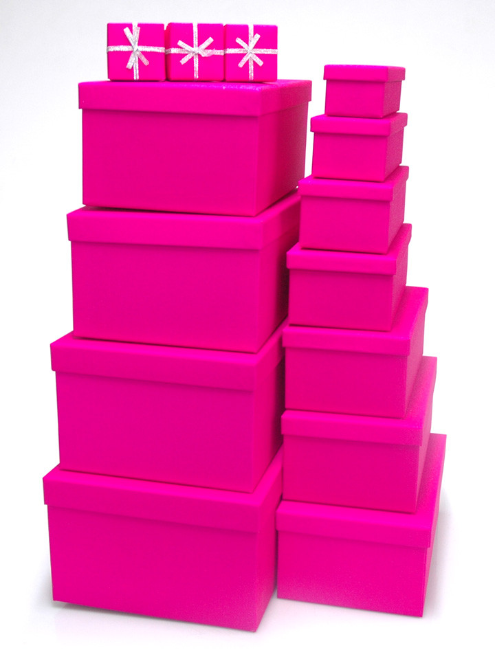 Hot pink gift boxes tour into the sky