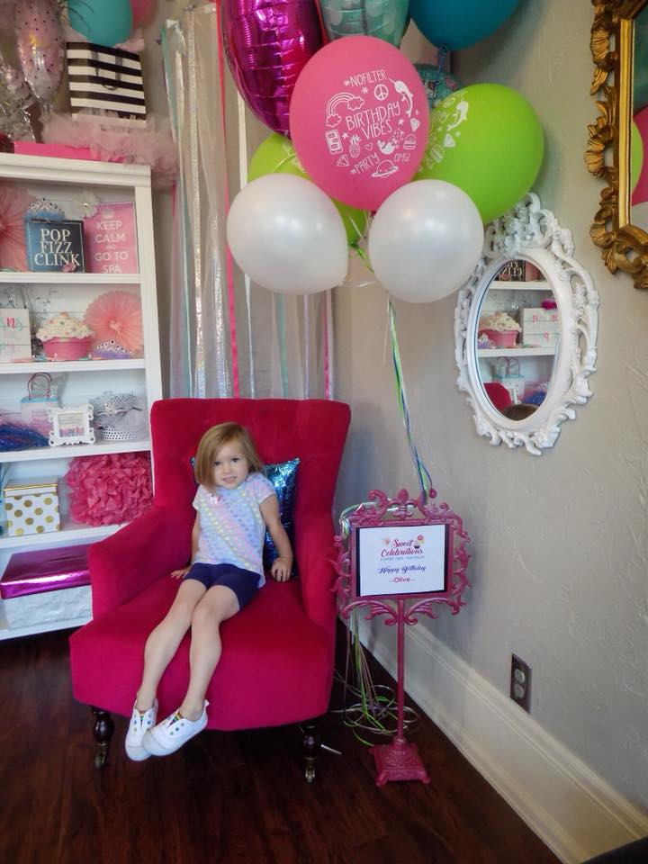 Guest of Honor Birthday Throne