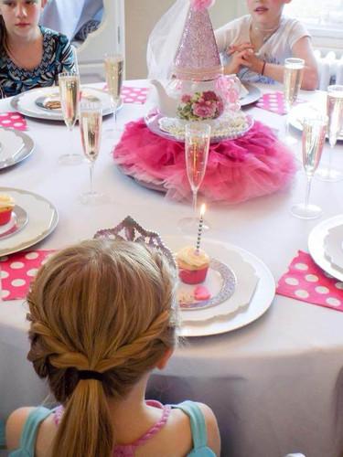 princess cupcakes .jpg