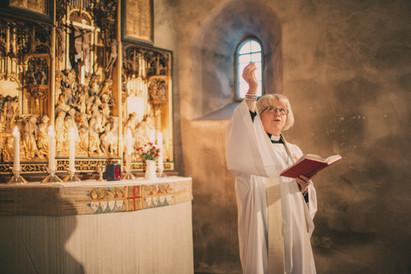 bröllopsfoto Örnsköldsvik präst