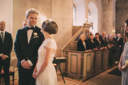 bröllopsfoto Västernorrland kyrka