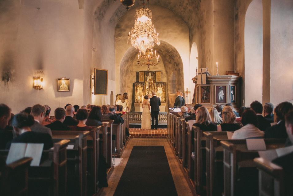 bröllopsfoto Umeå kyrkan