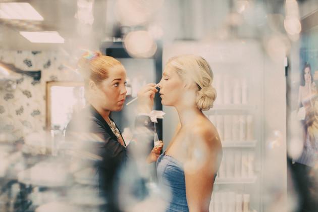 bröllopsfotograf Västernorrland makeup