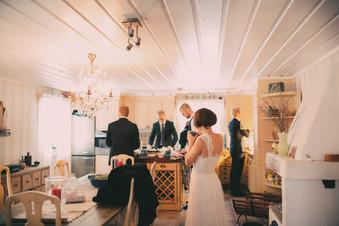bröllopsfoto Umeå kök hemma