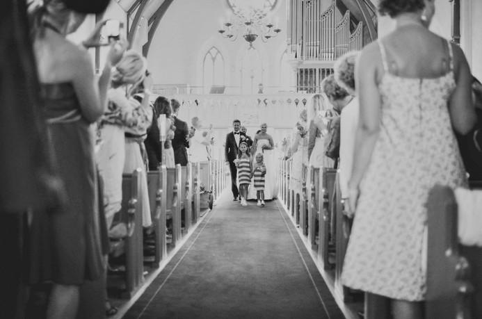 bröllopsfotograf Örnsköldsvik kyrkgången