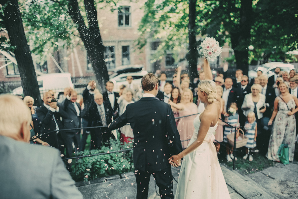 bröllopsfotograf Umeå kasta ris