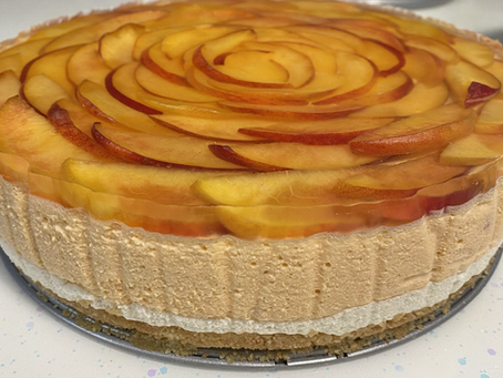 It's hot out! This no-bake PEACH cheesecake is for you
