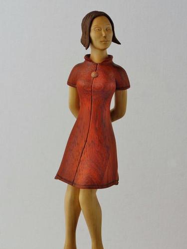 """""""Девушка с розовой лягушкой"""", из ценных пород дерева"""