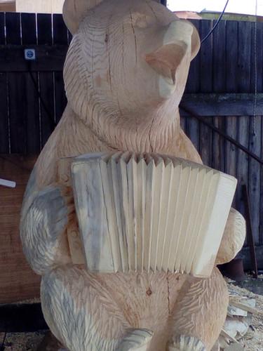 Медведь, сосна, 210 см.