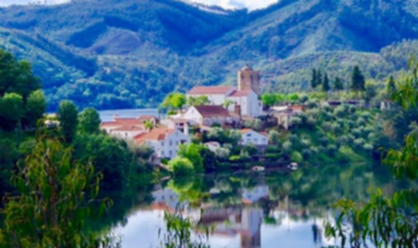 Waterside Holiday Rental in Dornes