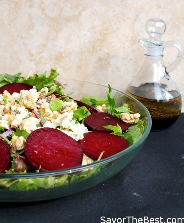 Spinach-and-Walnut-Salad-with-Balsamic-Vinaigrette-3