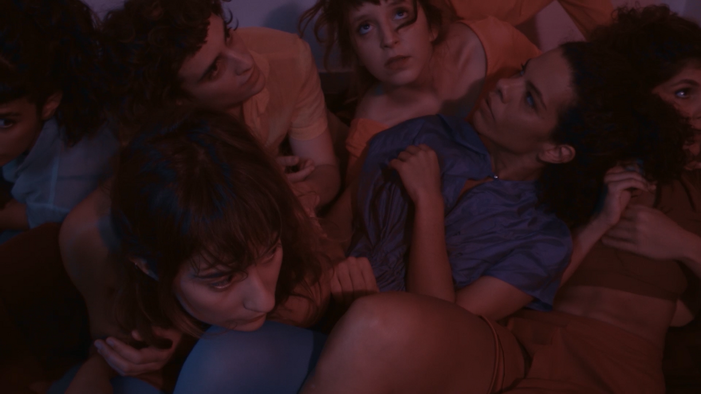 """Cena do filme """"Ela viu aranhas"""" - Dirigido por Larissa Muniz (2019)"""
