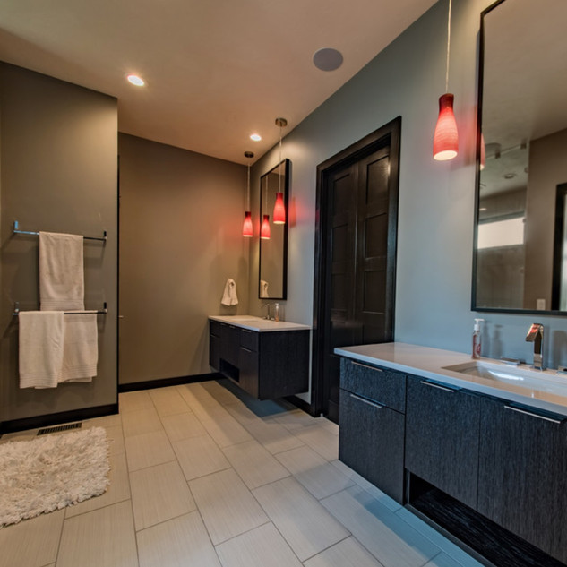 bathroom-contem-big-4_edited.jpg