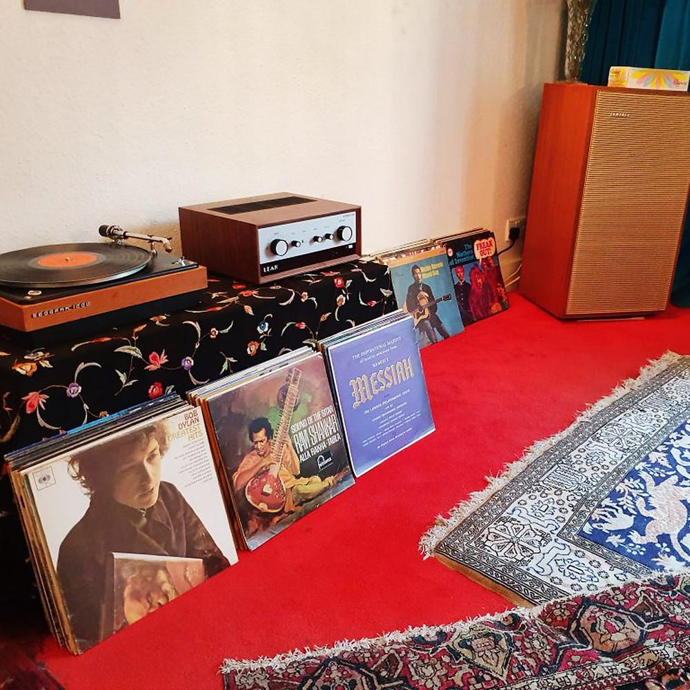 LEAK 亦派出了他們近期參照 1963 年經典型號 Stereo 30 外型、 音色和設置而推出的 LEAK Stereo 130 合併擴音機,完滿了整個項目。