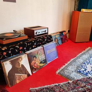 結他之神 Jimi Hendrix 也用 LEAK 擴音機! 倫敦 Brook Street 23 號故居 重現結他之神音響設備
