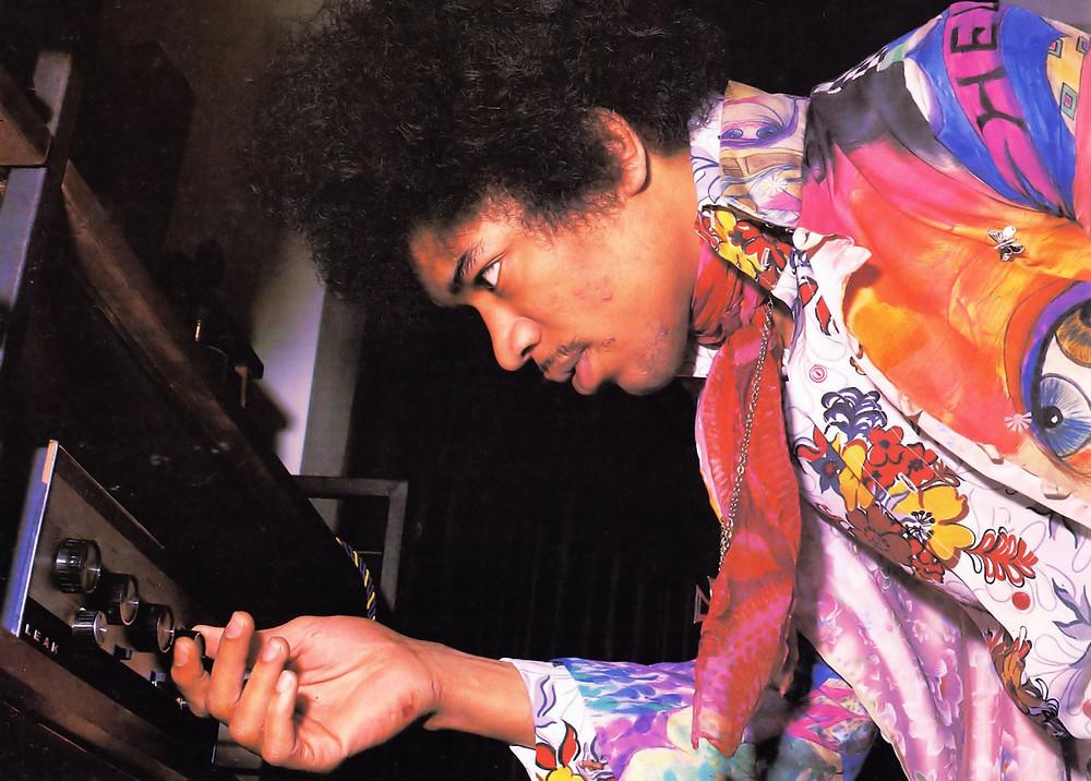 結他之神 Jimi Hendrix 也用 LEAK 擴音機! 倫敦 Brook Street 23號故居 重現結他之神音響設備