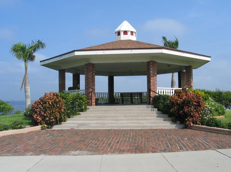 Punta Gorda Florida Wedding Officiants W