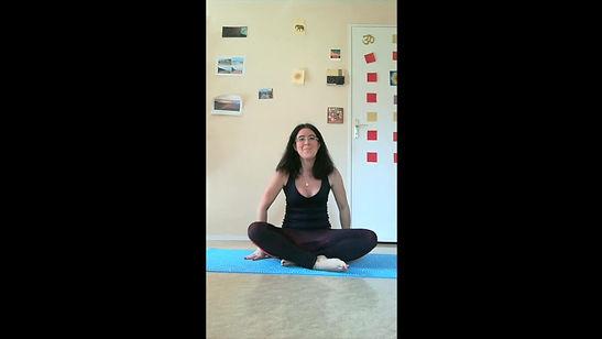Lina vous propose une séance de méditation guidée au son de sa voix.
