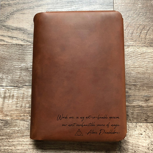 Dumbledore - Handwriting - Travel Cut - Refillable Leather Folio
