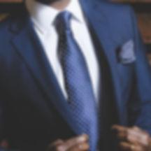business-suit-690048_960_720_edited.jpg
