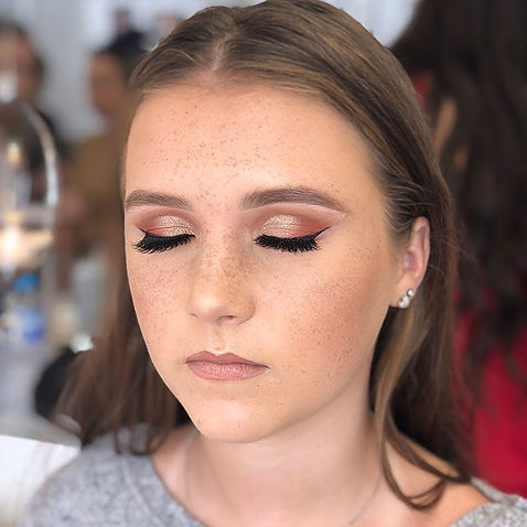 Today's make up look_ Cut crease with de