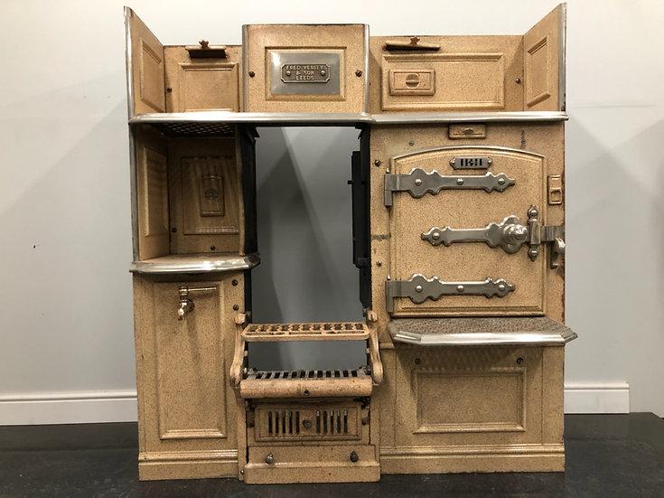 Unusual Cream Enamelled Late Victorian Edwardian Cast Iron Kitchen Cooking Range