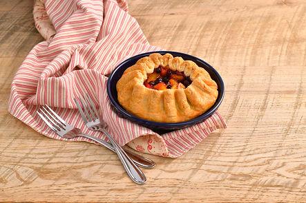 peach-blueberry-colonial-pie_RET.jpg