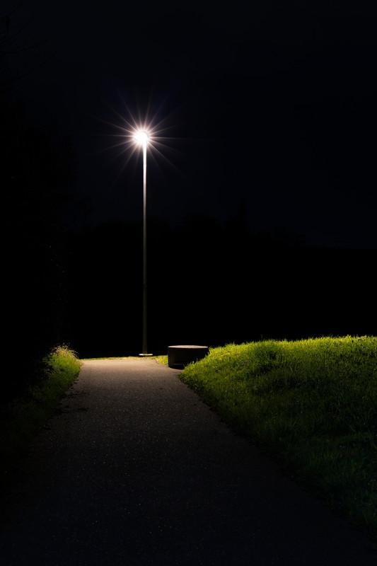 beacon leuchtfeuer street lamp light licht lamppost pole strassenlampe night nacht
