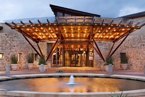 Arabella-Hotel-Golf-and-Spa-Entrance