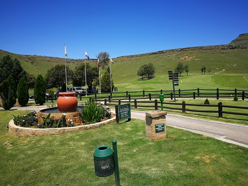 Drakensberg Gardens Golf Club Summer 10.