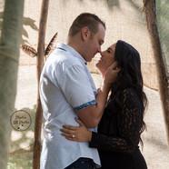 photo d'un couple sur le point de s'embrasser