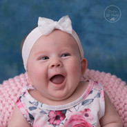 photo de bébé dans un contenant