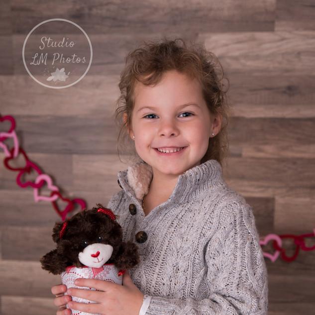 photo petite fille pour st-valentin