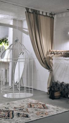 Dressing Room Uncommon