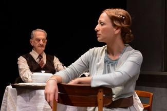 """Η Μαρία Καλλιμάνη συμμετέχει στην παράσταση """"η εκδοχή του Μπράουνινγκ"""", του Terence Rattig"""