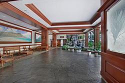 Waikiki Banyan Lobby