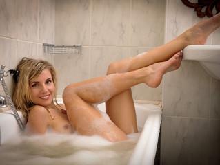 Une relaxation nue pour un moment de détente inoubliable et originale