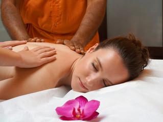 Abandonnez-vous totalement à un massage 4 mains !