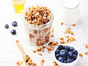 SCRUMPTIOUS MAPLE SYRUP AND ALMOND GRANOLA