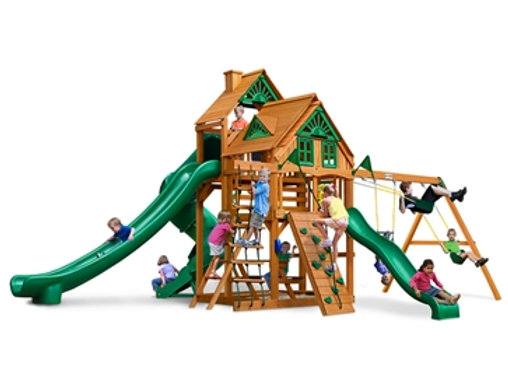 Great Skye II Treehouse  w/ Amber Posts