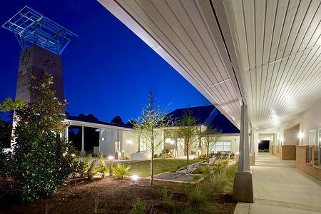 NWSC_courtyard_night_corridor-land01_fin