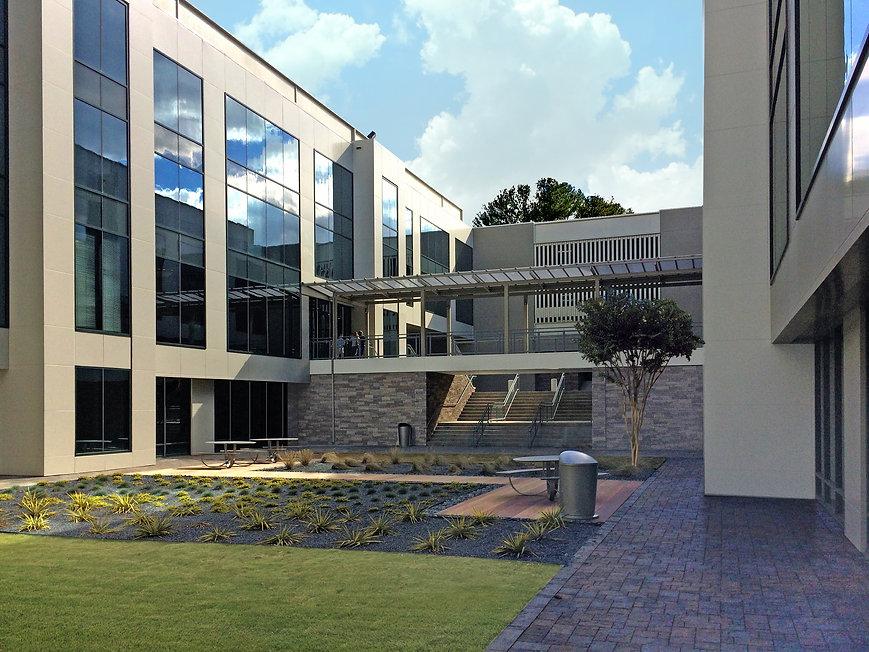 Northwest Medical Center MOB Courtyard 1