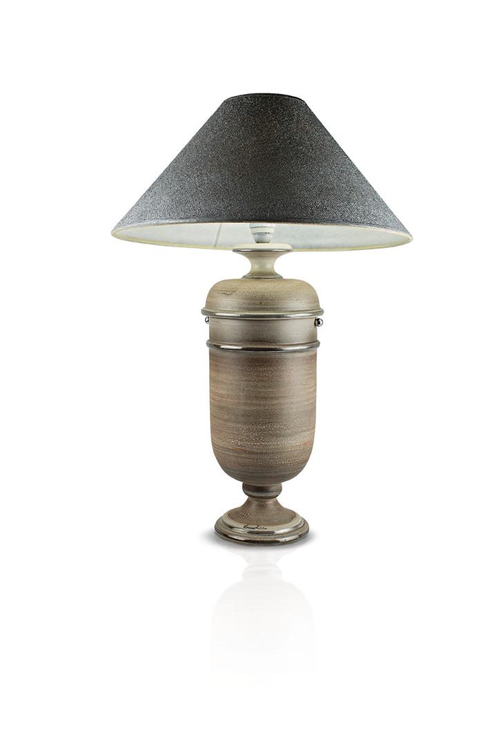 urna lampada marrone.jpg