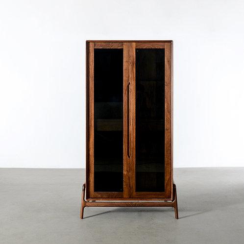 Walnut COMO shelf, 2 doors